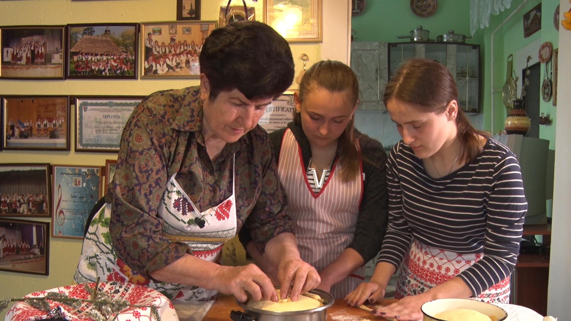 Ольга Прокоп у Чинадієві поділилася своїм пасхальним рецептом (ВІДЕО)