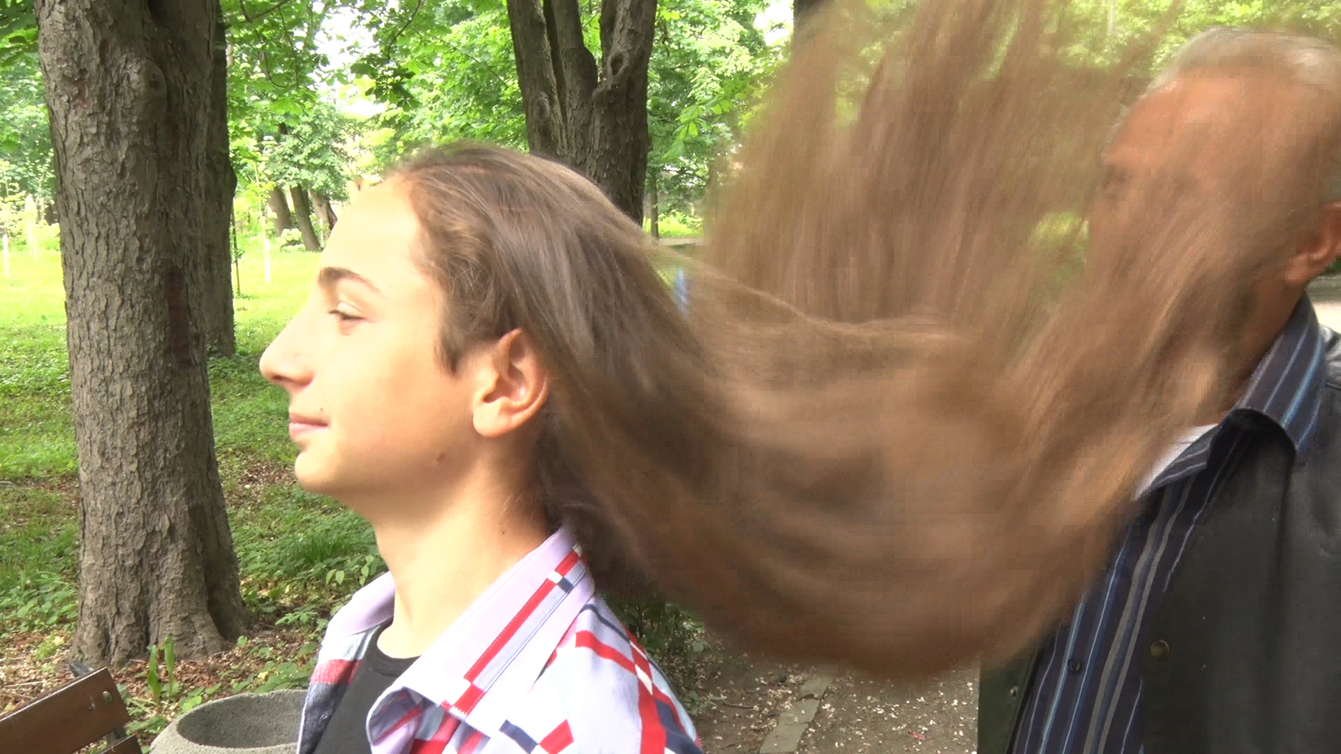 Тринадцятирічний житель Виноградова вражає Україну своїм волоссям (ВІДЕО)
