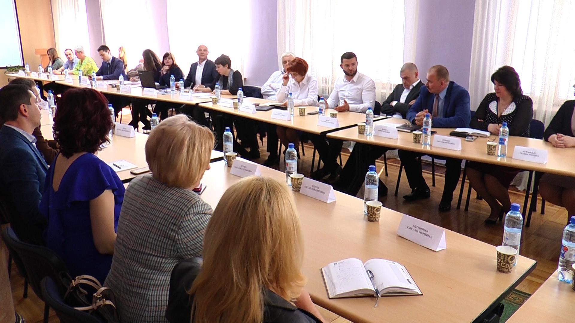 В МДУ за круглим столом обговорювали співпрацю бізнесу та освіти (ВІДЕО)