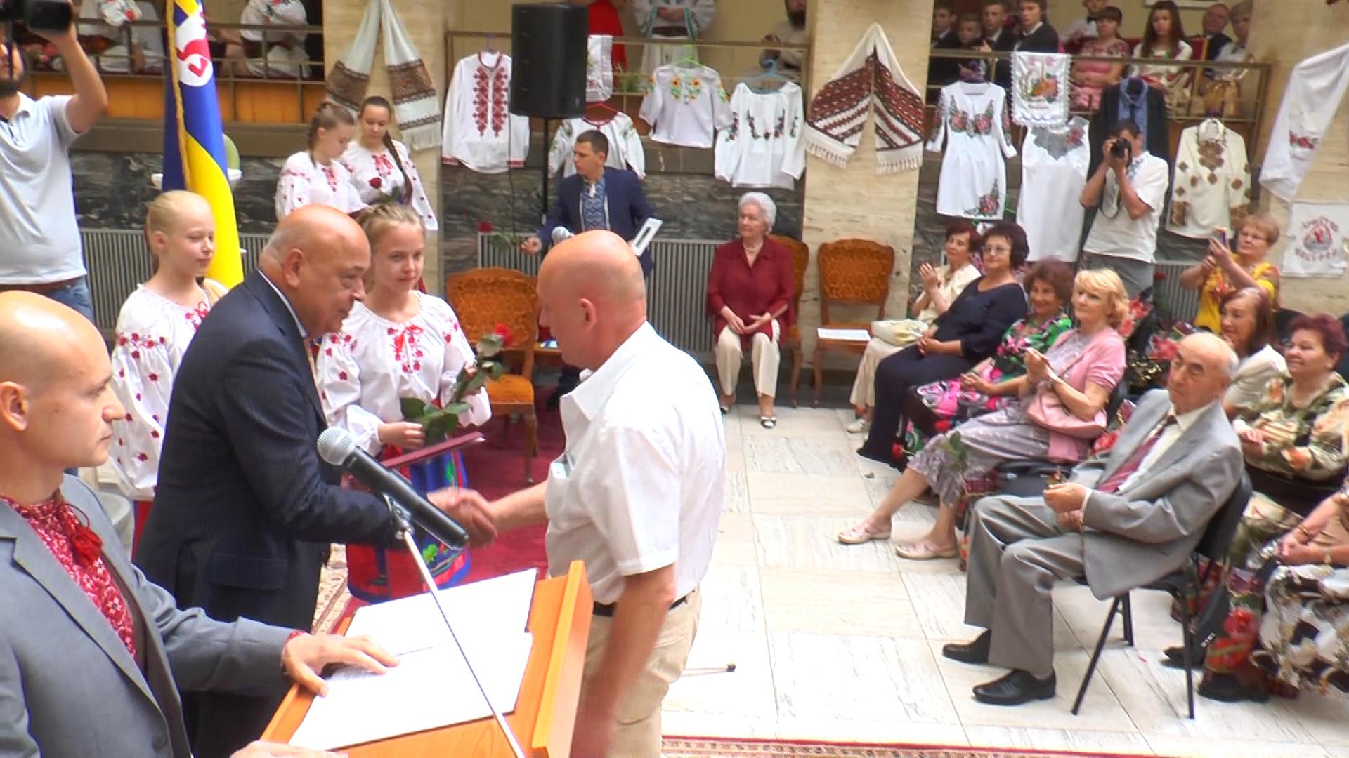 В атріумі Закарпатської ОДА вітали медичних працівників (ВІДЕО)