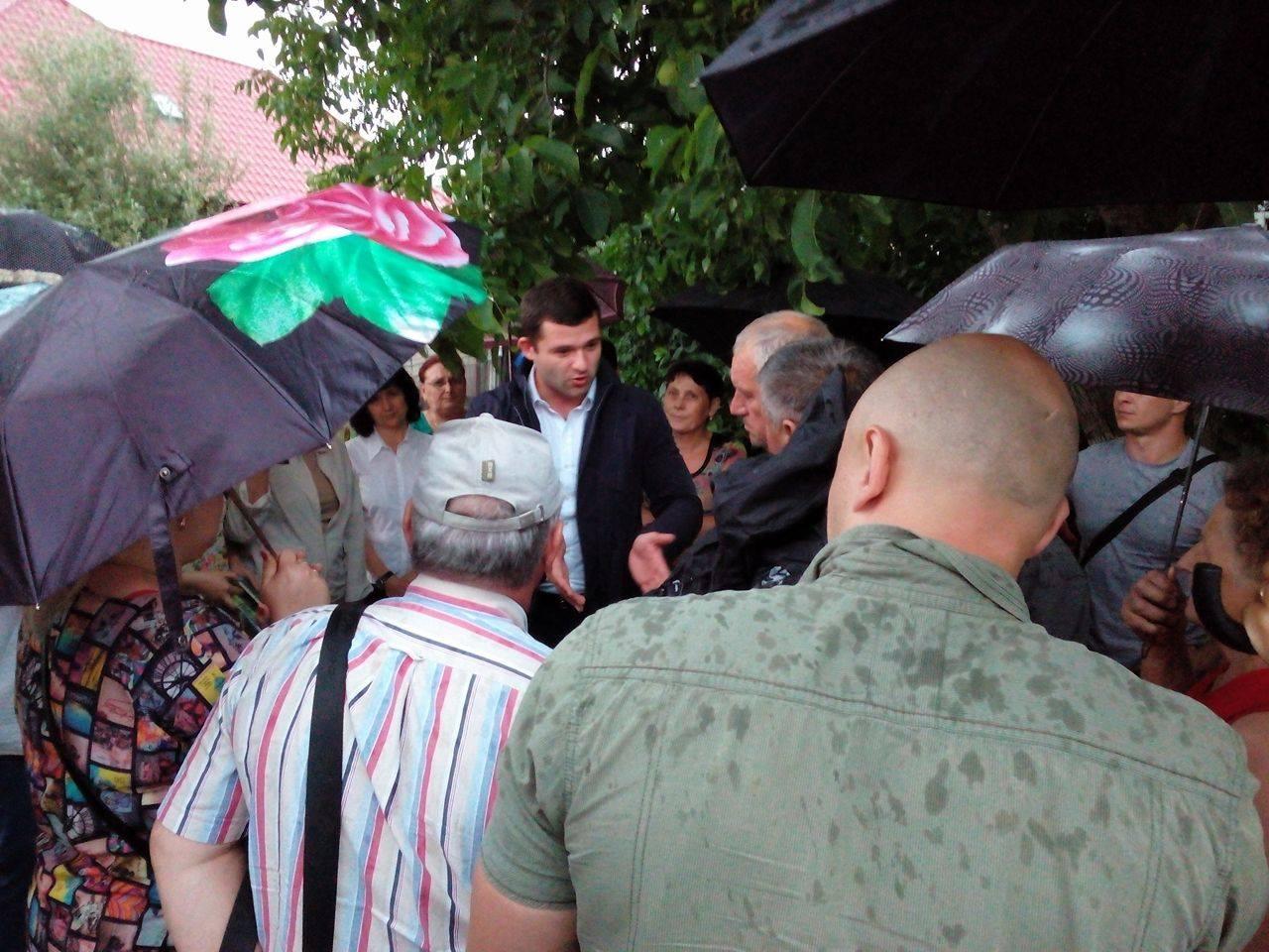 В жителів вулиці Сорочої в Мукачеві хочуть відібрати землю?