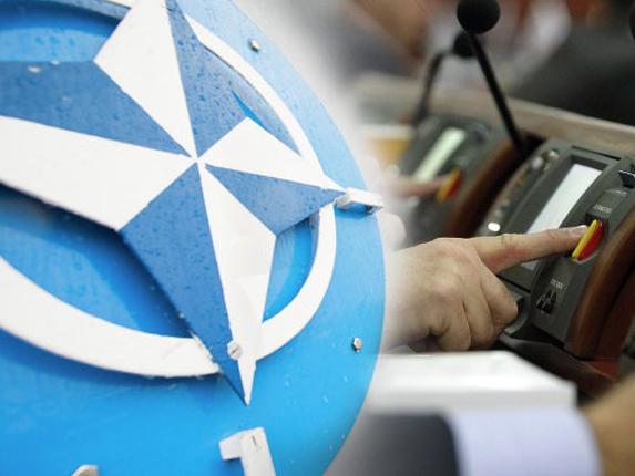 Замість всеукраїнського референдуму — 22 хвилини обговорення