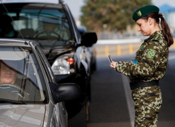 Викрадений у Словаччині автомобіль знайшли на Закарпатті
