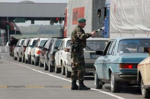 На Закарпатській митниці ДФС за зниженими ставками акцизу розмитнено 1425 автомобілів