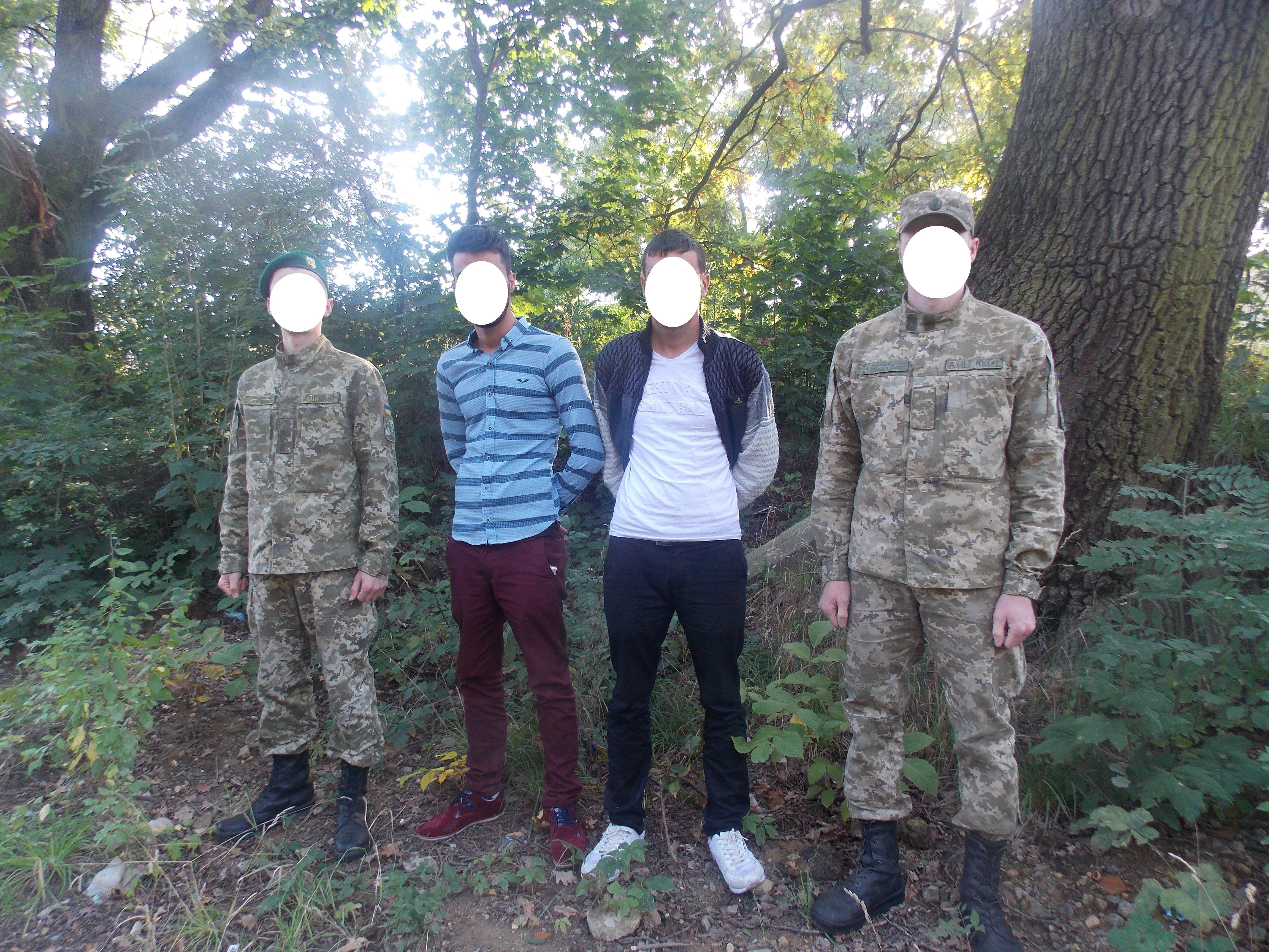 Двох нелегалів з Туреччини затримали прикордонники на Ужгородщині