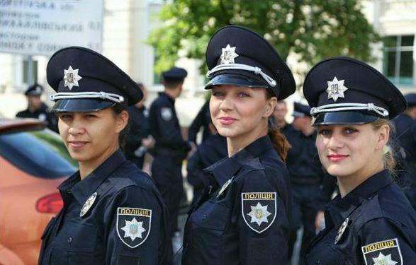 Скільки жінок працює у патрульній поліції Ужгорода та Мукачева?