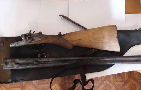 Жінка на Ужгородщині принесла до поліції рушницю