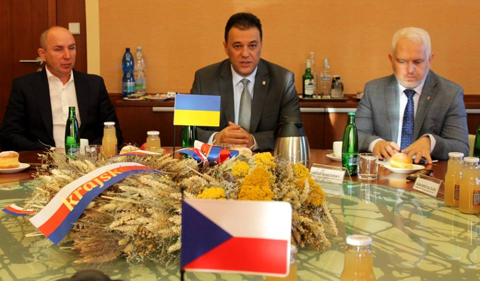 Закарпатська облрада планує підписати Меморандум про довгострокову співпрацю з Краловеградецьким краєм Чехії