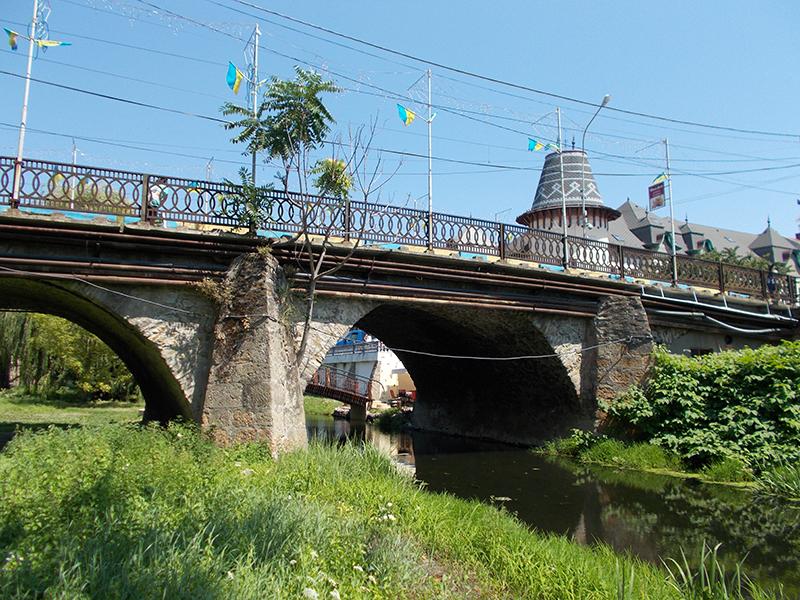 «Горбатий» міст – один із найстаріших рукотворних об'єктів Берегівщини
