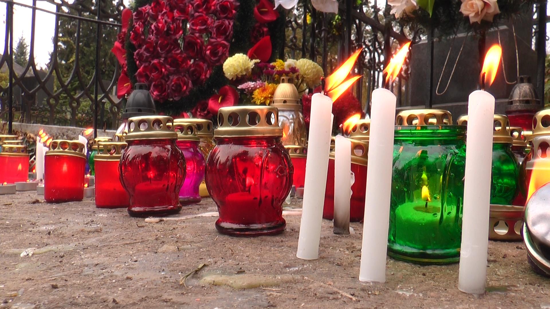 День пам'яті померлих на Ужгородській Кальварії (ВІДЕО)