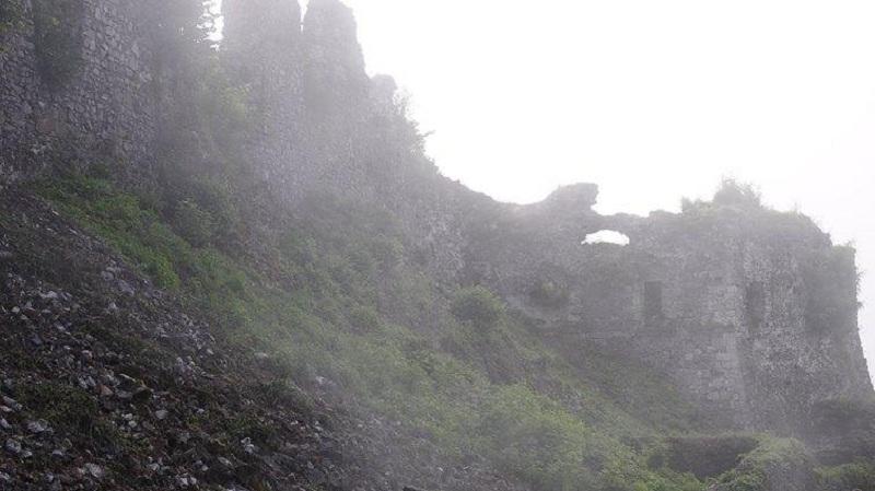 Серед руїн Хустського замку виявлено сенсаційну знахідку