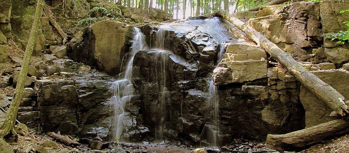 Цікаве Закарпаття: водоспад «Скакало» в Мукачево
