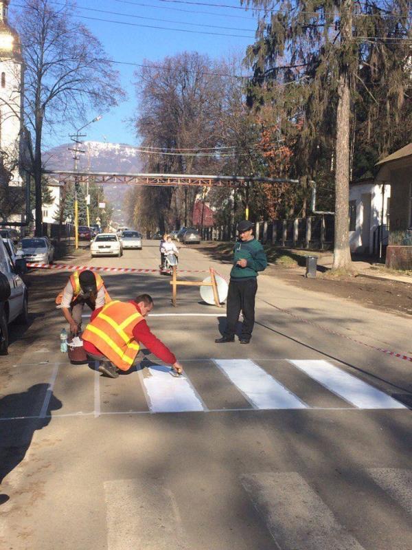 У Дубовому дбають про безпеку пішоходів (фото)