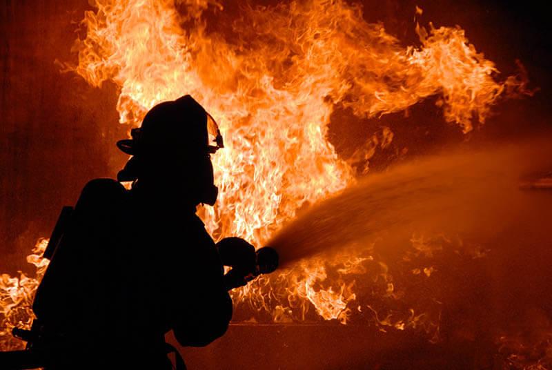 Масштабна пожежа на Хустщині – горіло у Велятині
