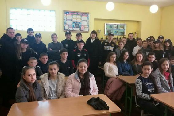 Поліцейські Іршавщини провели для школярів уроки правової освіти (ФОТО)