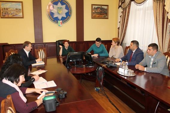Закарпатська поліція провела «круглий стіл», присвячений Всеукраїнському тижню права (фото)