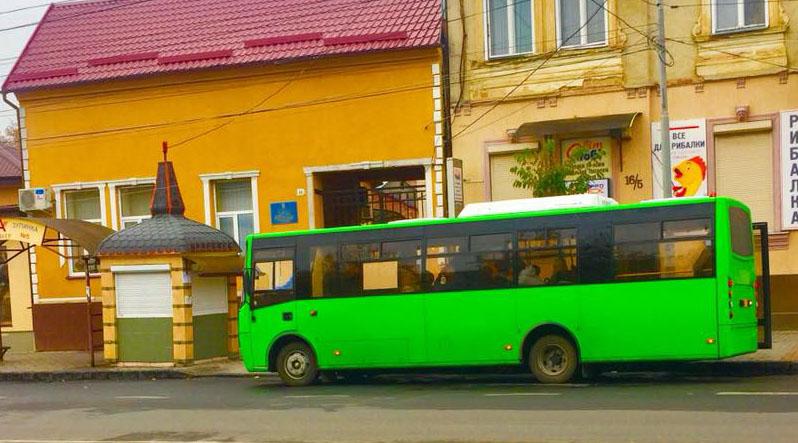 Нові міські автобуси в Мукачеві здали в аренду