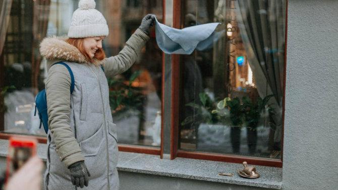 Першу скульптуру котлети по-київськи вже встановили біля ресторану Chicken Kyiv на Городецького