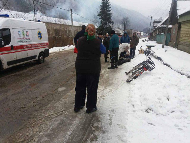 На Тячівщині посеред вулиці раптово помер чоловік