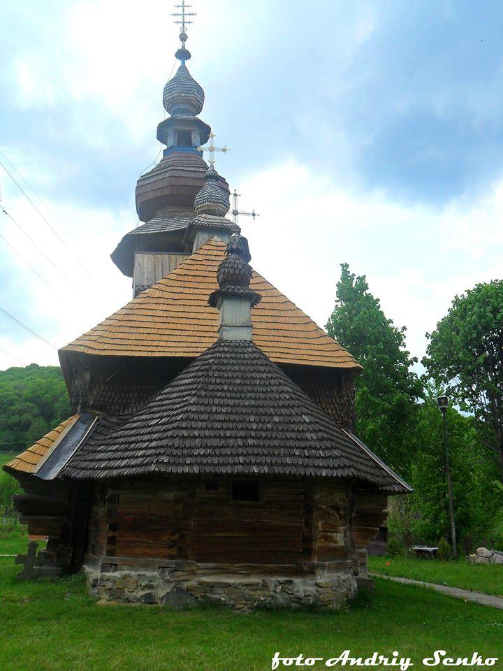 Дерев'яні церкви Закарпаття: Церква Св. Миколая 1588, 1759 у м. Свалява