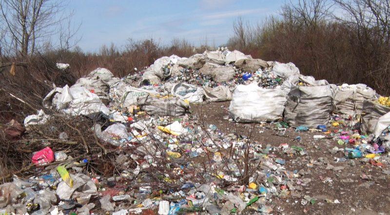 У Виноградові збирають і пресують пластик (ВІДЕО)