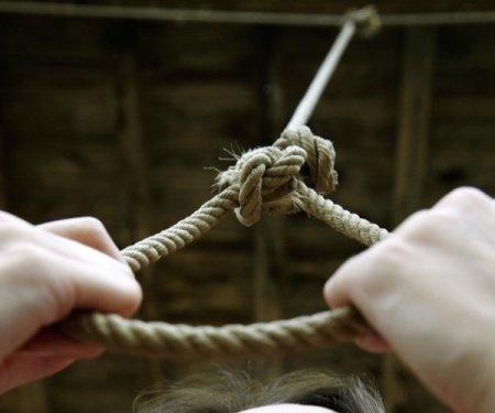 На Закарпатті хлопець покінчив життя самогубством