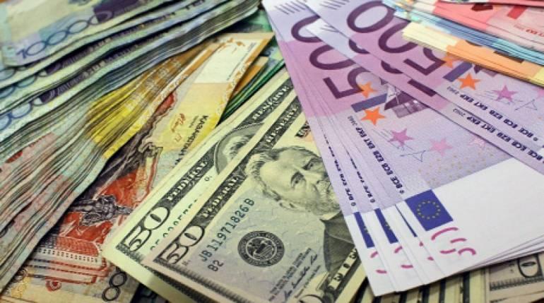 Готівковий курс валют на вихідні: євро – впав, долар – зріс