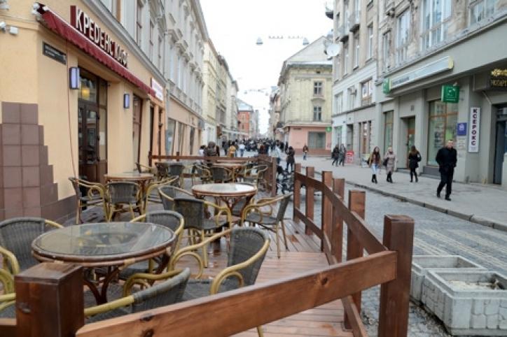 В Ужгороді скоро розпочнеться торгівля з літніх майданчиків