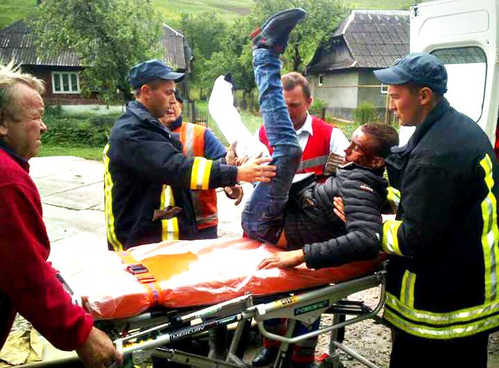 На Закарпатті хлопець випав з потяга: опубліковані ФОТО
