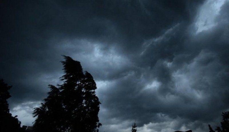 Шквал вітру та грози йдуть на Закарпаття