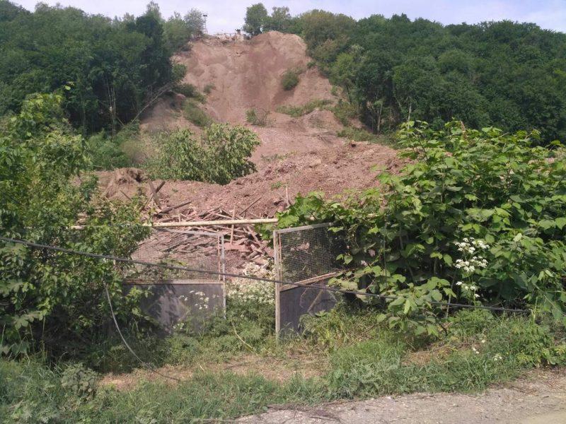 Наслідки зсуву на Мукачівщині не тішать (ВІДЕО)