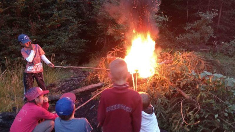 В Усть-Чорній запалювали шайблики, святкуючи сонячне рівнодення (ФОТО)