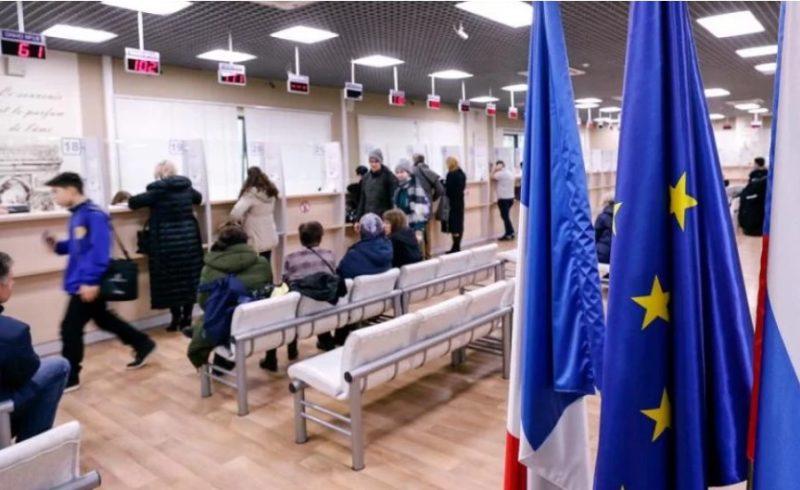Українцям пригрозили депортацією