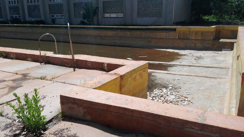 Унікальний, але, на жаль, занедбаний, термальний басейн у Мукачеві