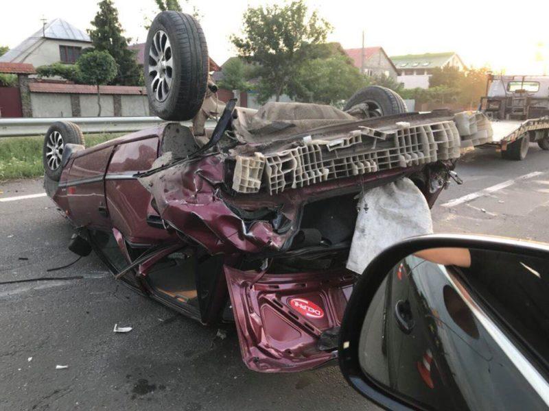 ДТП на Закарпатті: авто перекинулося на дах
