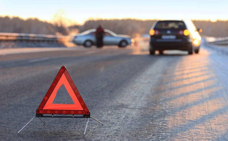 ДТП на трасі Київ-Чоп:  зіткнулись легковик та вантажівка, є поранені