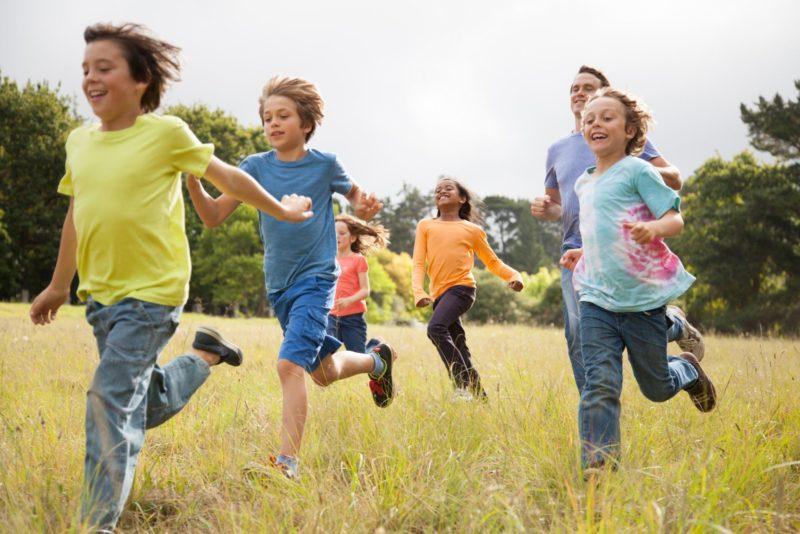 Діти, які більше гуляють та граються, краще виконують домашні завдання – дослідження