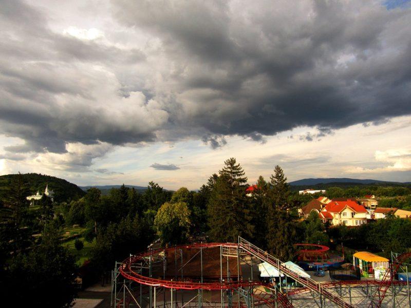 З висоти оглядового колеса у Мукачеві відкриваються неймовірні краєвиди