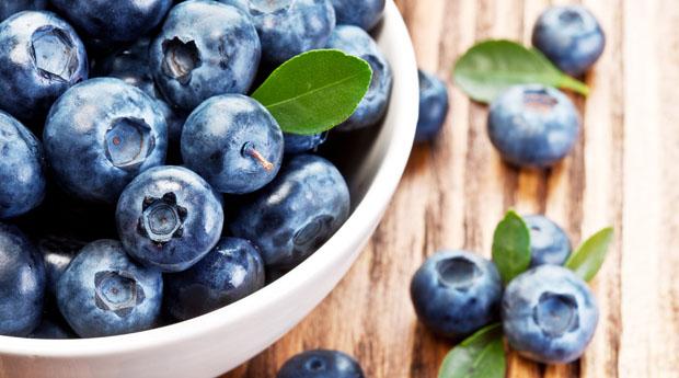 Закарпатцям на замітку: корисні властивості популярної ягоди лохини