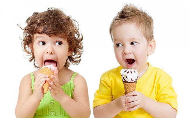Небезпечні літні ласощі – експерт розповів, як виробники морозива труять українців