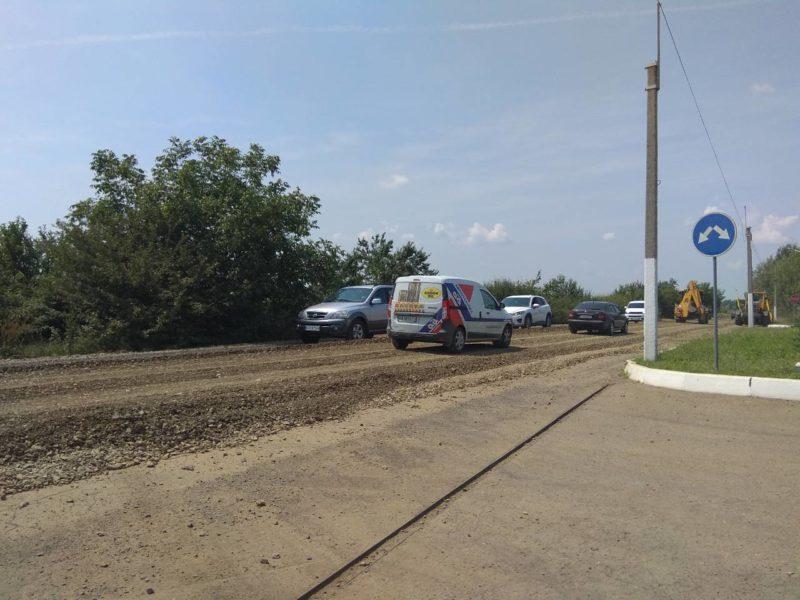 На автодорозі «Вилок-Виноградів» триває ремонт (ФОТО)