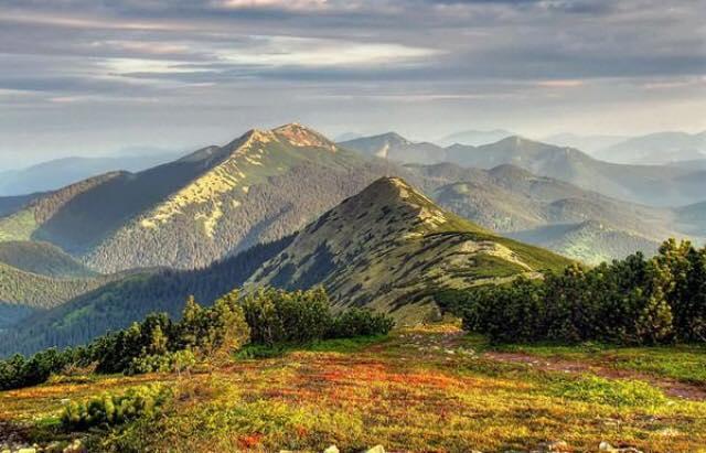 Мешканці трьох областей можуть насолоджуватись краєвидом Карпат