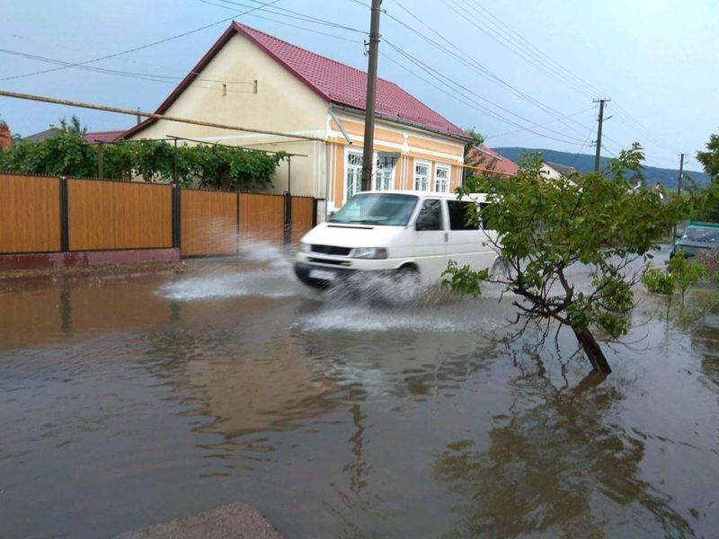 Виноградів поплив після дощу: фото