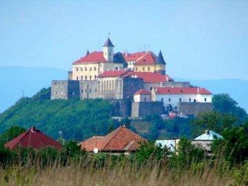 Три найкрасивіші маленькі міста Закарпаття