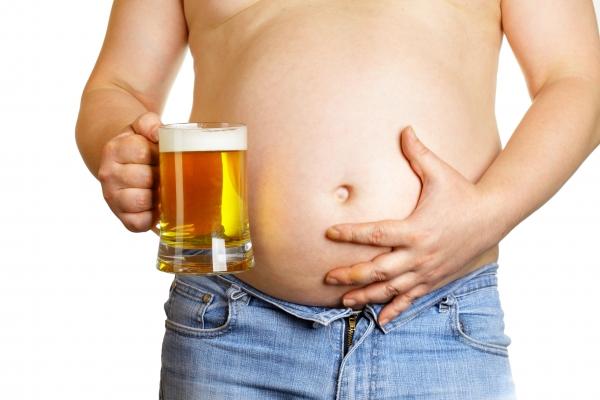 «Пивний животик». Чи справді причина у пиві?