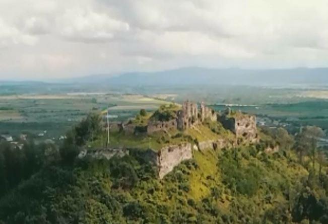 Ролик-визитівка: руїни Хустського замку показали в якості 4K (ВІДЕО)