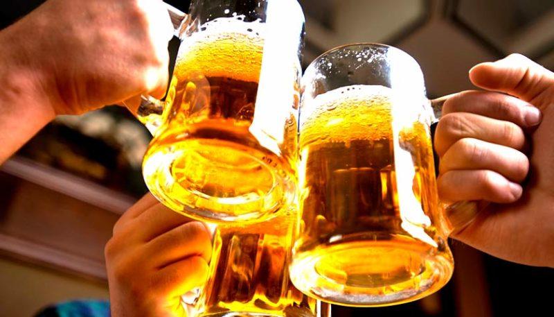 Вчені назвали несподівану властивість пива та вина для чоловіків