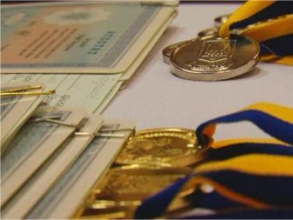 Стало відомо скільки медалістів на Виноградівщині цьогоріч