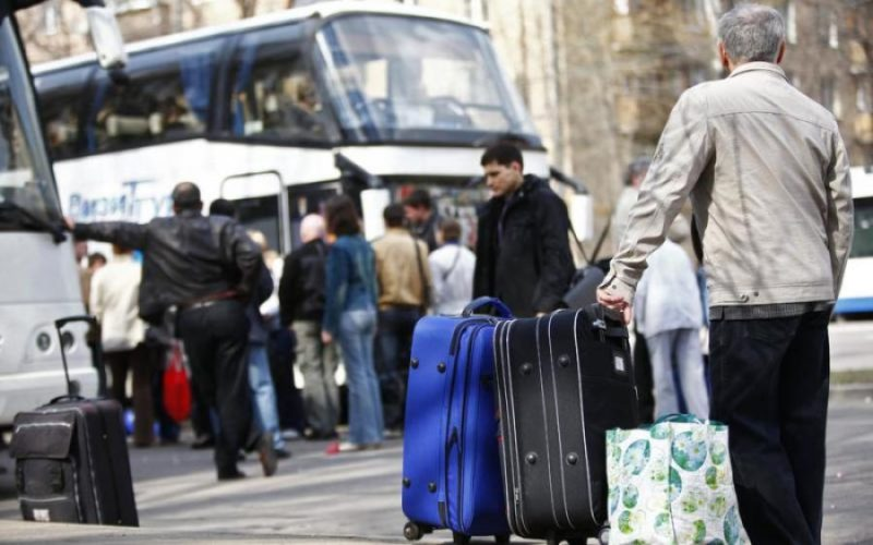 Заробітчан не пустять на роботу за кордон: у Кабміні пояснили чому