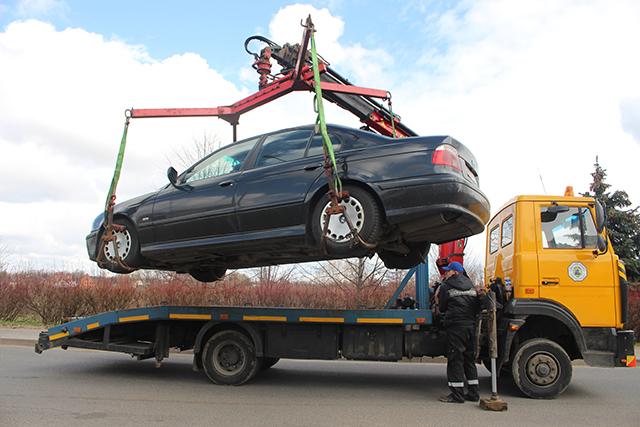 З 27 вересня в Україні збільшать штрафи за парковку і евакуюватимуть авто без поліції